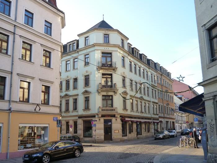Stuckaltbau Eckgebäude in Dresdens Neustadt